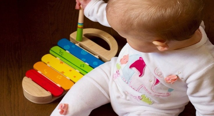 8 Best Ways to Clean Toys Naturally